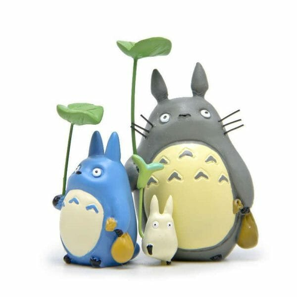 Totoro Family With Leaf Figure - ghibli.store