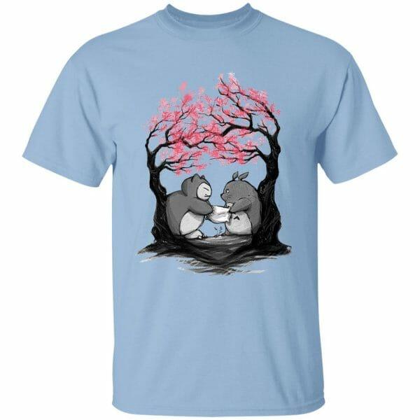 Totoro vs Snorlax Pillow fight T Shirt